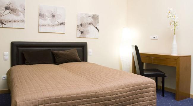 イン ファッション レジデンス - リスボン - 寝室