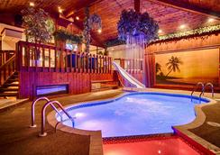 Sybaris Pool Suites Northbrook - Adults Only - Northbrook - プール