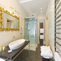 サヴォイア & ヨランダ Bathroom