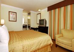 クラリオン ホテル モントレー - モントレー - 寝室