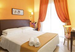 ホテル トゥスコラーナ - ローマ - 寝室