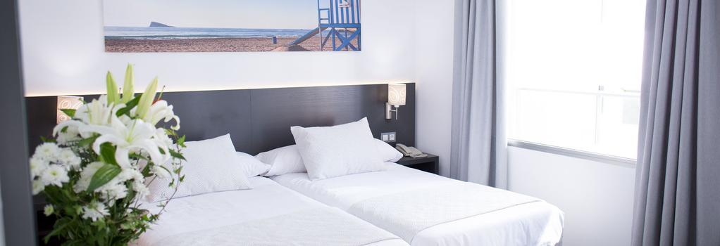 Hotel Los Alamos - ベニドーム - 寝室
