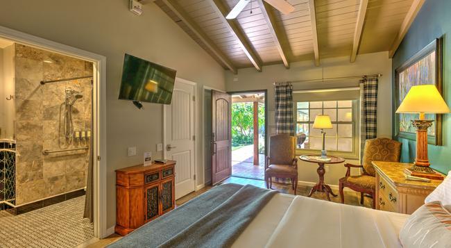 Colt's Lodge - Palm Springs - 寝室