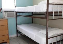 シーシェルモーテル アンド インターナショナルホステル - キー・ウェスト - 寝室