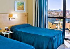 Hotel Madeira Centro - ベニドーム - 寝室