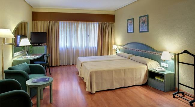 モンテ カーメロ - セビリア - 寝室