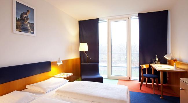 アルコーナ ホテル アム ハーヴェルウーファ - ポツダム - 寝室