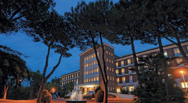 グリーン パーク ホテル パンフィリ - ローマ - 建物