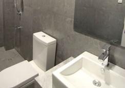 Z パッド レジデンシーズ - Tacloban City - 浴室