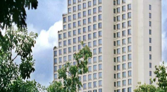 センチュリー パーク ホテル - バンコク - 建物