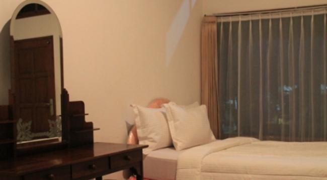 ホテル ラトゥ - デンパサール - 寝室