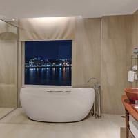ソカ プノン ペン ホテル Bathroom