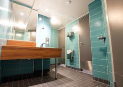ユーロホステル - ヘルシンキ - 浴室