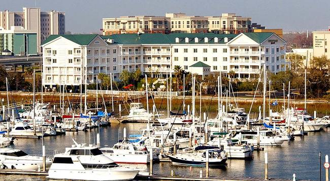 Courtyard by Marriott Charleston Waterfront - チャールストン - 建物