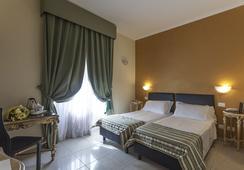 ホテル レジーナ ジョヴァンナ - ローマ - 寝室