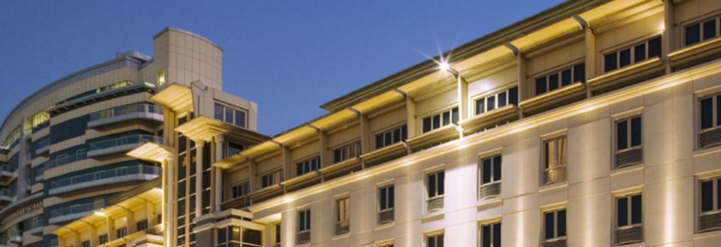 Movenpick Hotel & Apartments Bur Dubai - ドバイ - 建物