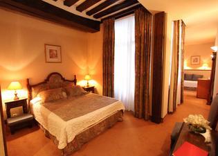 ホテル ド ラ ブルトヌリ