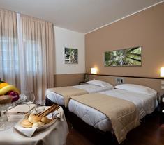 アストリア パレス ホテル