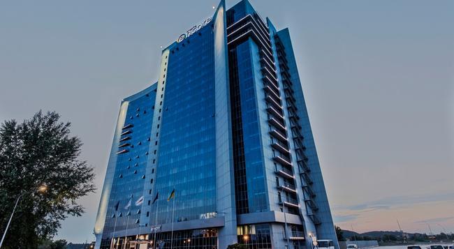 Ramada Encore Kiev - キエフ - 建物