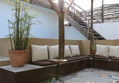 Teetotum Hotel Restaurant Lounge - トゥルム - ラウンジ