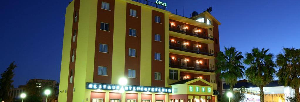 Hotel Zeus - メリダ - 建物