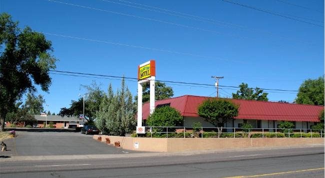 ゴールデン ウエスト モーテル - Klamath Falls - 建物