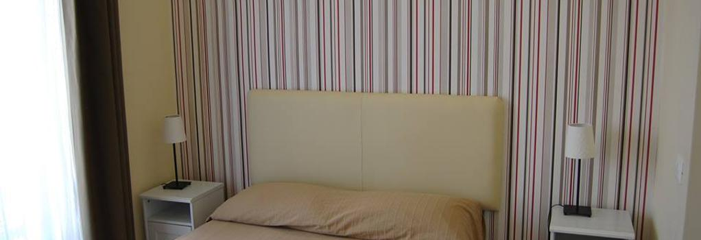 B&B H24 - レッジョ・ディ・カラブリア - 寝室