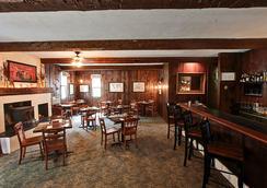 Hob Knob Inn and Restaurant - ストウ - バー