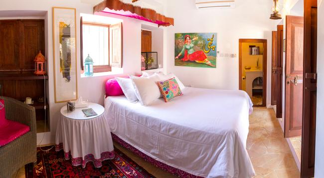 XVA アート ホテル - ドバイ - 寝室