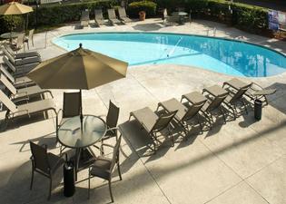 ホテル アイリス ミッション ヴァレー サンディエゴ ズー シー ワールド