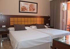 Holiday World Premium Resort - Benalmádena - 寝室