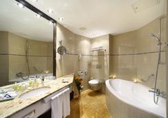 グランド ホテル ボヘミア - プラハ - 浴室