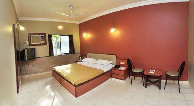 Treasure Island Resort - Lonavala - 寝室