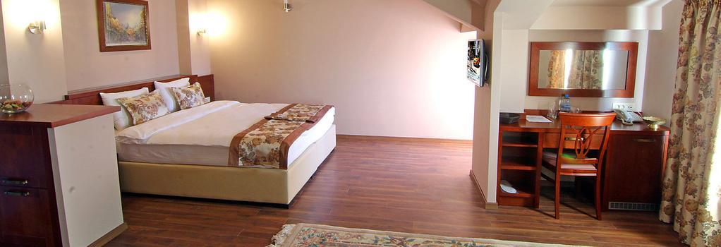 ホテル ヴラホ - スコピエ - 寝室