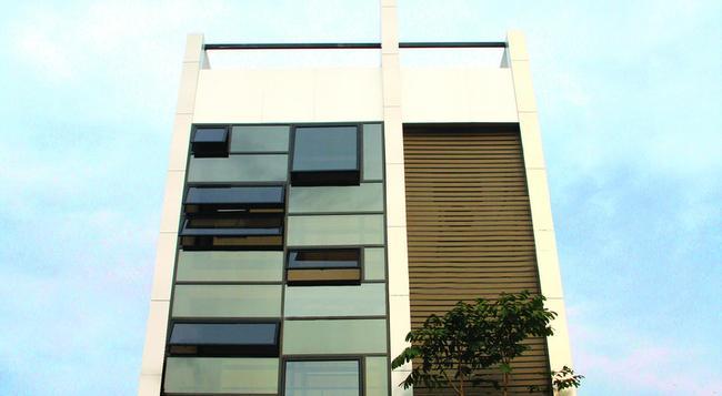 Rockwell Colombo - コロンボ - 建物