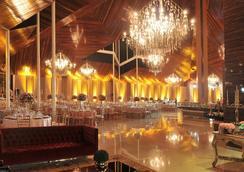 レカント カタラタス テルマス リゾート エ コンベンション - フォス・ド・イグアス - レストラン