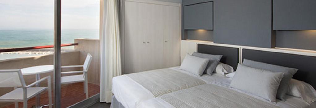 ホテル エル プエルト バイ ピエール バカンス - フエンヒロラ - 寝室