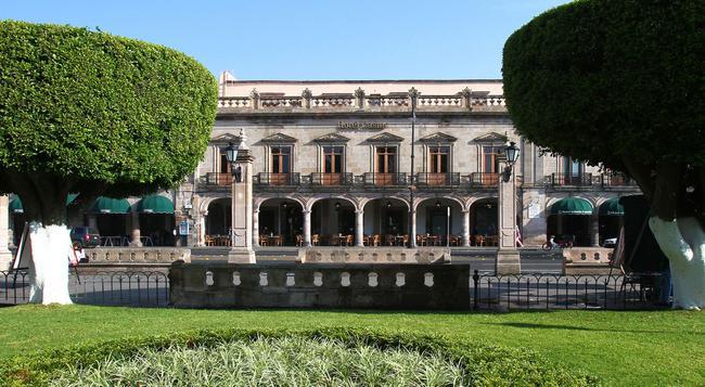Hotel Casino Morelia - モレリア - 建物