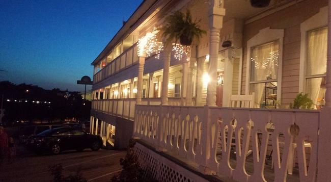 Branson Victorian Inn - ブランソン - 建物