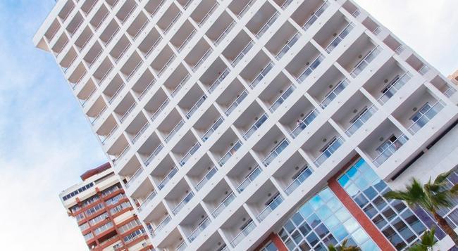 Poseidon Resort - ベニドーム - 建物
