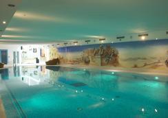 ロマンティック ホテル ユーレン スーペリア - ツェルマット - プール
