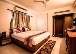 Hotel Suruchi - Gwalior - 寝室
