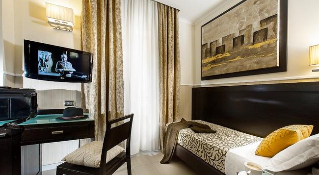 イエス ホテル - ローマ - 寝室