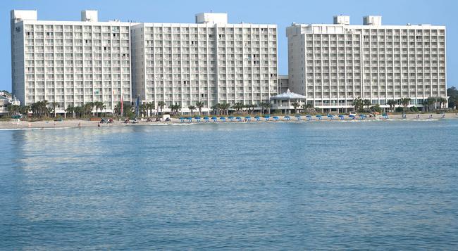 Crown Reef Resort - マートル・ビーチ - 建物