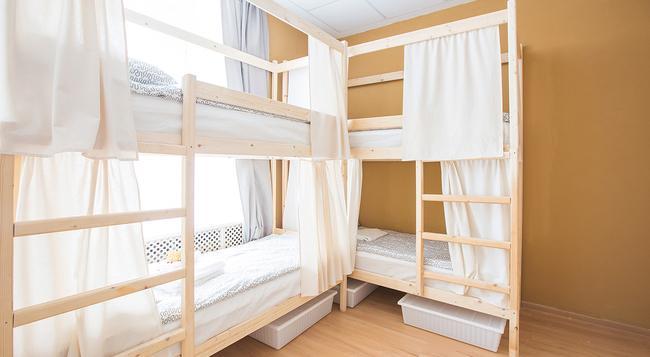 Hostels Rus na Kazanskoy - サンクトペテルブルク - 寝室