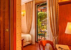 ホテル ピラネシ - ローマ - 寝室