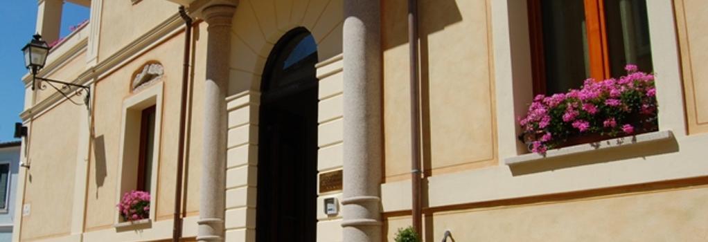 La Locanda del Conte Mameli - オルビア - 建物
