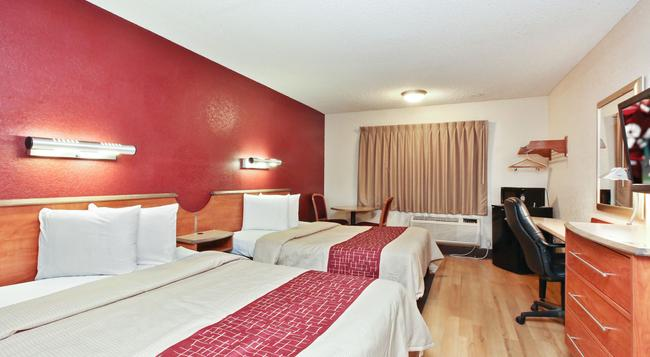Red Roof Inn Santa Ana - サンタ・アナ - 寝室