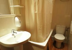 オスタル バルメス セントロ - バルセロナ - 浴室
