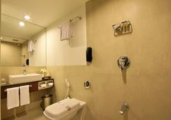 Hotel Express Towers - ヴァドーダラー - 浴室
